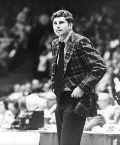 The General wore nothing but the best in strange ass suits. I'm pretty sure Boeheim took his style cues from Knight.